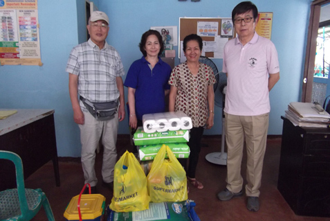 フィリピンネグロス島 バコロバ市 聖乳幼児施設訪問